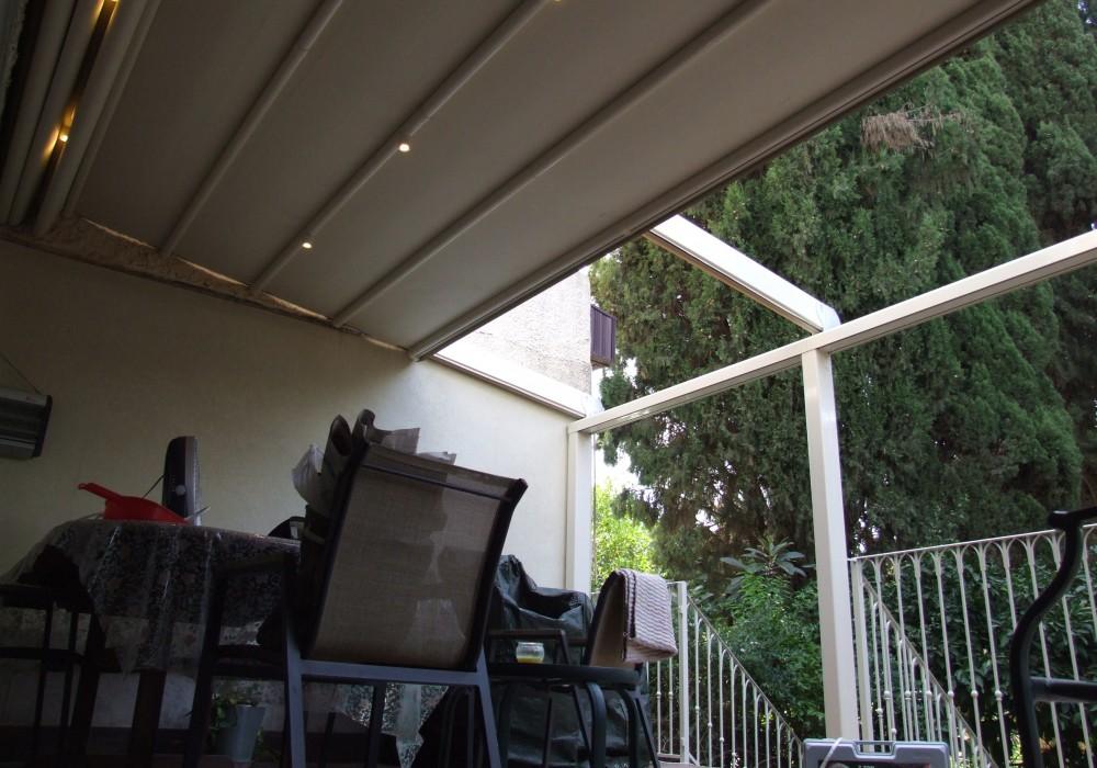 פרגולת אלומיניום מדגם סטאר  תלויה ללא עמודים