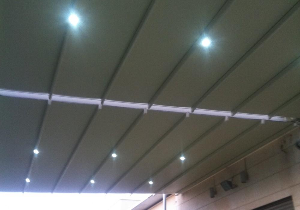 פרגולה חשמלית בתוספת תאורת לד